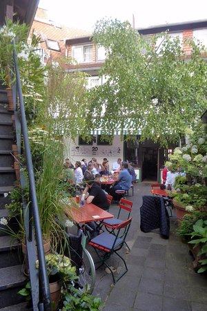 Neu-Isenburg, Allemagne : Der Sommergarten
