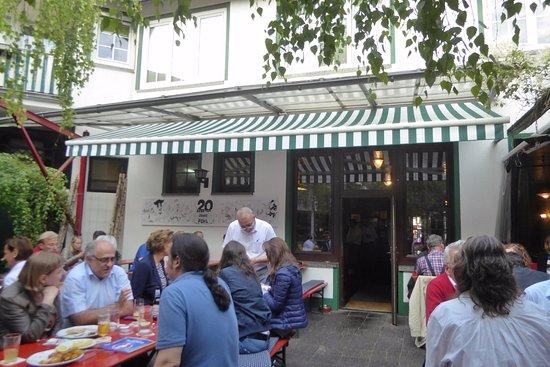 Neu-Isenburg, Allemagne : Innenhof-Terrasse