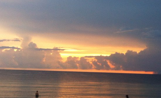 Vanderbilt Beach, FL: Sunset at Wanderbilt