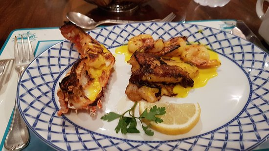 Al Noukhaza Seafood Restaurant : Grilled dish