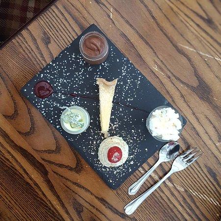 Eyemouth, UK : Delicious dessert platter