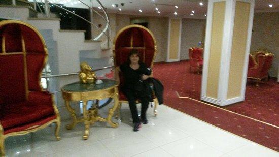 Lady Diana Hotel: 20160528_165207_large.jpg