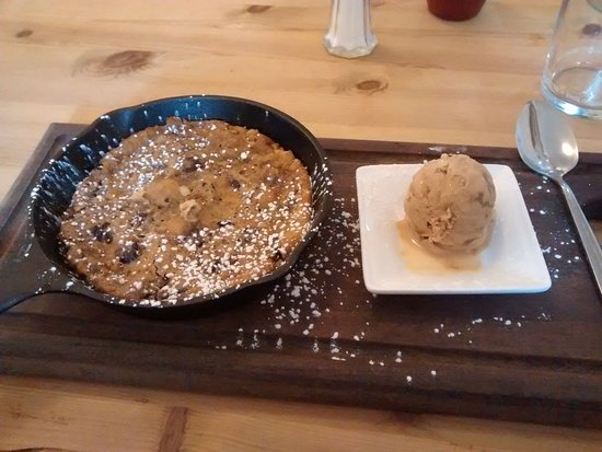 The Anchor Inn: Cookie with Salted Caramel Ice Cream