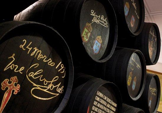 Montilla, Spanyol: Botas rubricadas por personalidades insignes de la política y miembros de la Realeza.