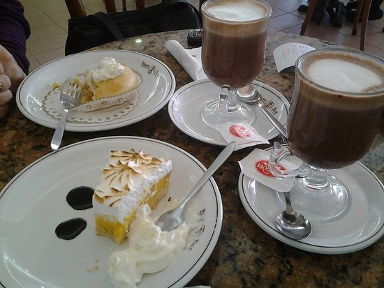 Msida, Malta: Hot Chocolate, Lemon Meringue and Apple Pie