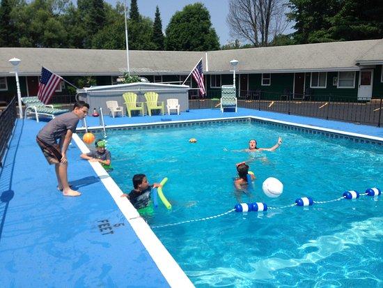 Tupper Lake, NY: Summer vacation splashes !