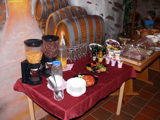 Grossschirma, Alemanha: Frühstück im Kaminzimmer