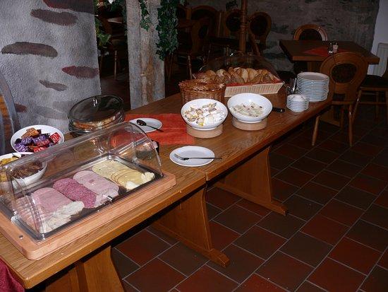 Grossschirma, Alemanha: Frisch, lecker und ausreichend, ständig ergänzt zur Auswahl