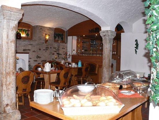 Grossschirma, Alemanha: Hier wird gefrühstückt