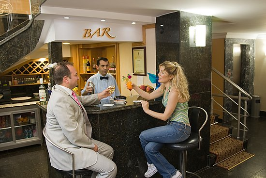 Express Star Hotel: Bar