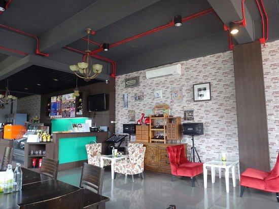 Khemmarat, Таиланд: Hall
