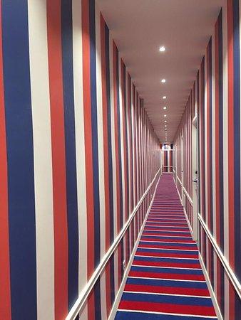 hotel corridors picture of hotel 34b astotel paris tripadvisor. Black Bedroom Furniture Sets. Home Design Ideas