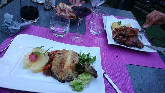Beaulieu-sur-Dordogne, فرنسا: plats à base de canard