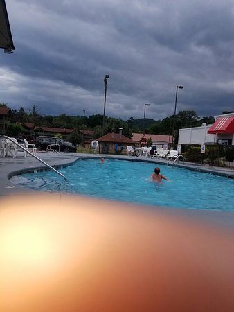 Ramada Pigeon Forge South: 20160728_180549_large.jpg