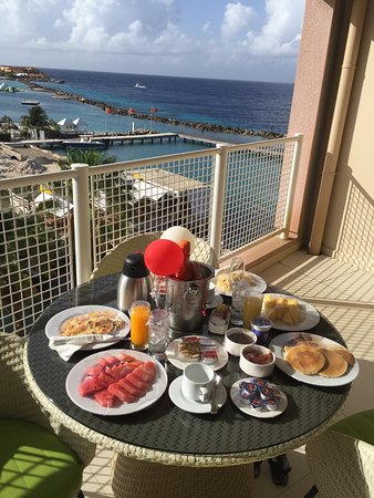 Sunscape Curacao Resort Spa & Casino - Curacao: Breakfast in Bed