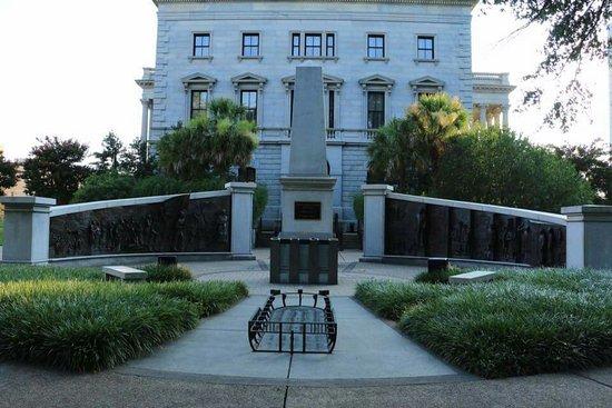 South Carolina State House: FB_IMG_1469797439880_large.jpg