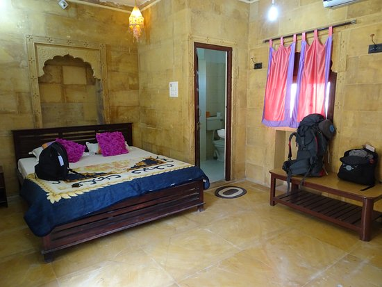 Hotel Nirmal Haveli: Chambre