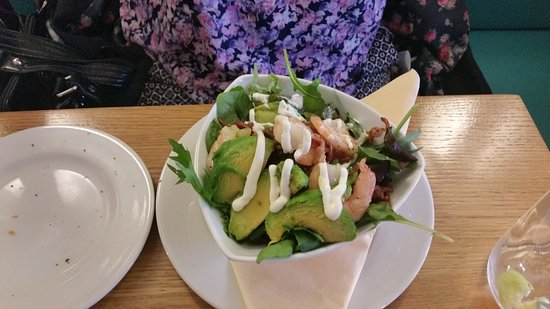 Porthleven, UK: Prawn & Avocado salad starter