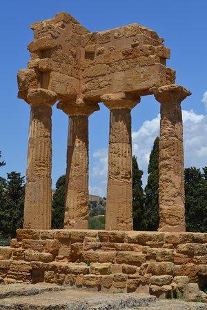Valley of the Temples (Valle dei Templi): Ipogeo dei Dioscuri
