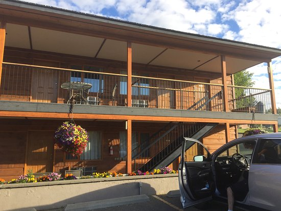 Cariboo Lodge Resort Photo