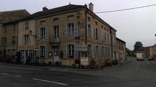 Hotel Du Saumon Photo