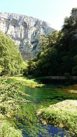 Provence, Frankrike: Bord de rivière