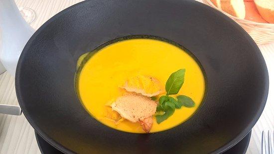 Restorans 77: pumpkin soup