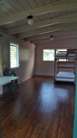 Waianapanapa State Park Cabins: Family/Great Room/Bedroom