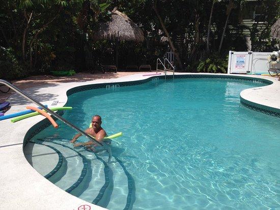 Sunrise Garden Resort: Resort Pool
