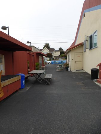 HI Monterey Hostel Photo