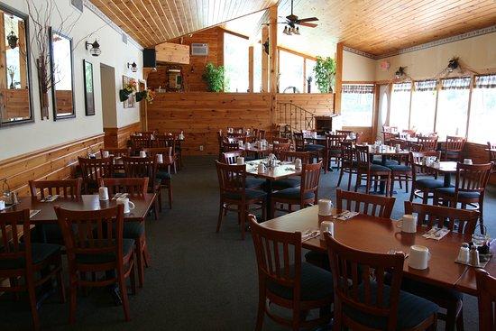 Nordick's Motel: Porrecas located at Nordicks serves Breakfast daily
