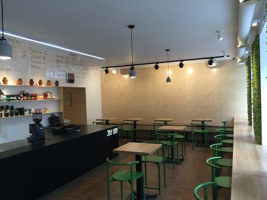 Joly Woo Cтрит-фуд кафе вьетнамской кухни: Интерьер нашего кафе
