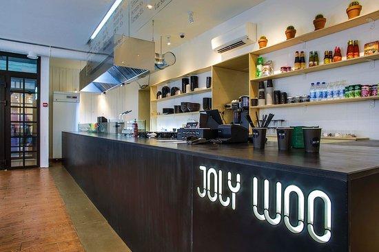 Joly Woo Cтрит-фуд кафе вьетнамской кухни: Интерьер нашего паба