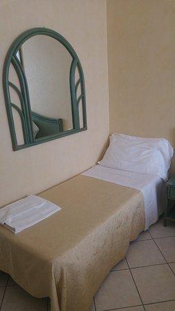 Rascher, freundlicher Check-In - Picture of Hotel Belsoggiorno ...