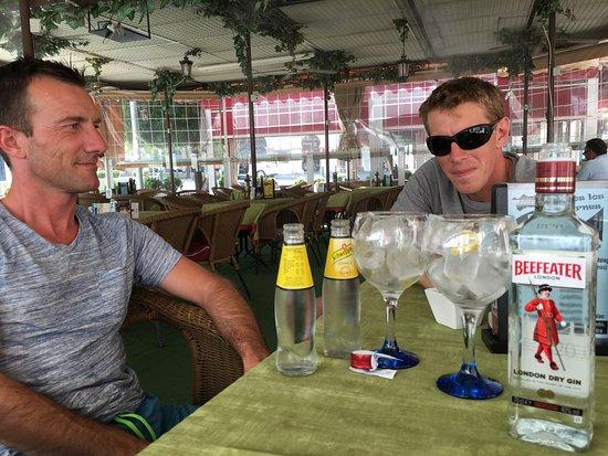 baena, España: Uitstekende bediening en prima eten