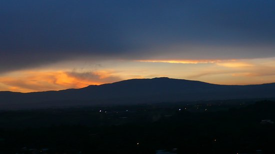 Ciudad Colon, Costa Rica: ein sonnen aufgang