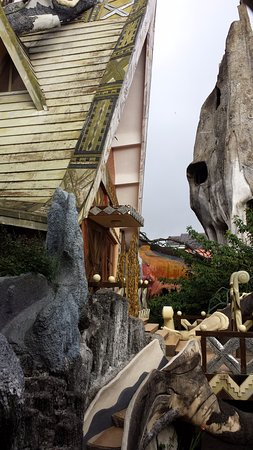 Hang Nga Guest House and Art Gallery: Crazy House