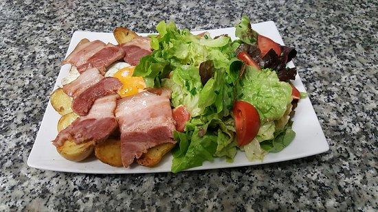 Plestin les Greves, Francia: Salade Marmite chez Avel Zo Plestin