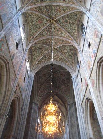 Ουψάλα, Σουηδία: Soaring Gothic columns