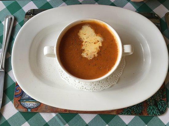 Bumps Bar & Bistro: Tomato & bacon soup