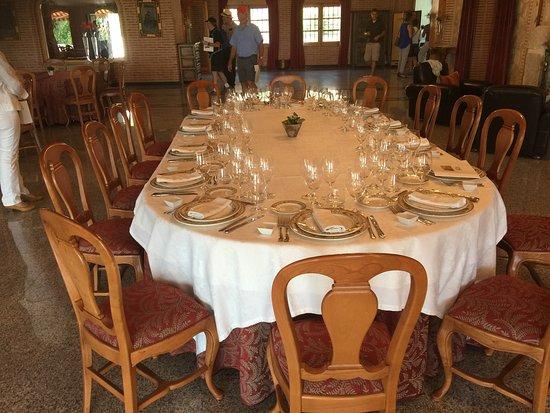 Roa, Spania: Stilvolles Mittagessen