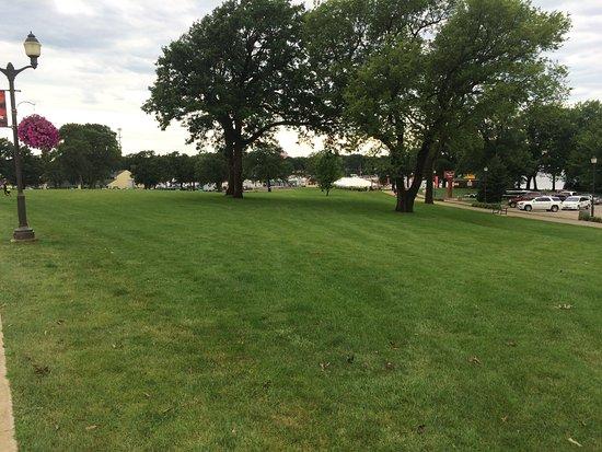 Okoboji, IA: Concert lawn