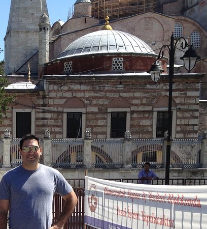 Berk Guest House: In 0-60 seconds you are at the famous Hagia Sophia Museum. It is really just a block away.