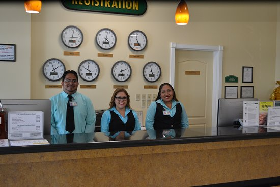 George Hardie's Las Vegas Hotel & Casino: Our front desk staff