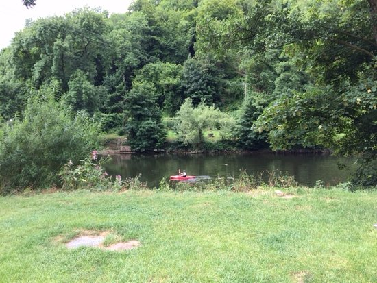 Symonds Yat East Campsite: The campsite is right on the River Wye, and has its own canoe access point.