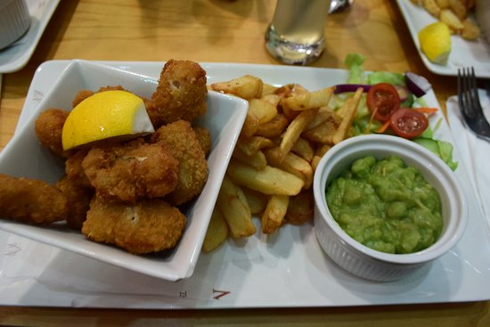 Mr Chippy Restaurant: wholetail breaded scampi meal 9.45livres