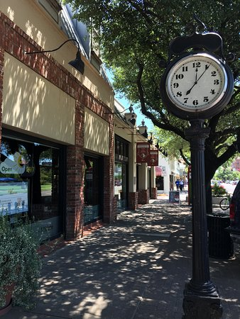 Norman, OK: Enjoy a nice walk on Campus Corner and discover our unique shops!