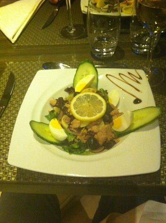 Sausheim, Francia: plat servi au restaurant de l'hôtel