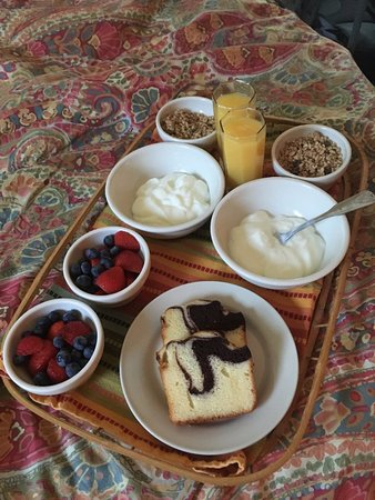 West End Inn: our wonderful breakfast in bed set up, coffee extra juice and milk not shown but very good!