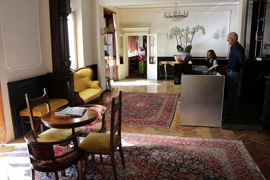 The reception area at Hotel Villa Paradiso